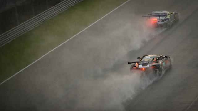 650S GT3 take victory at Sepang 12 Hour © SRO-SIC-Buggershots -2