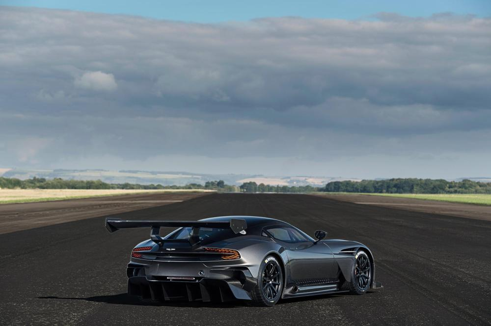 Aston Martin Vulcan to Exhibit at the Performance Car Show