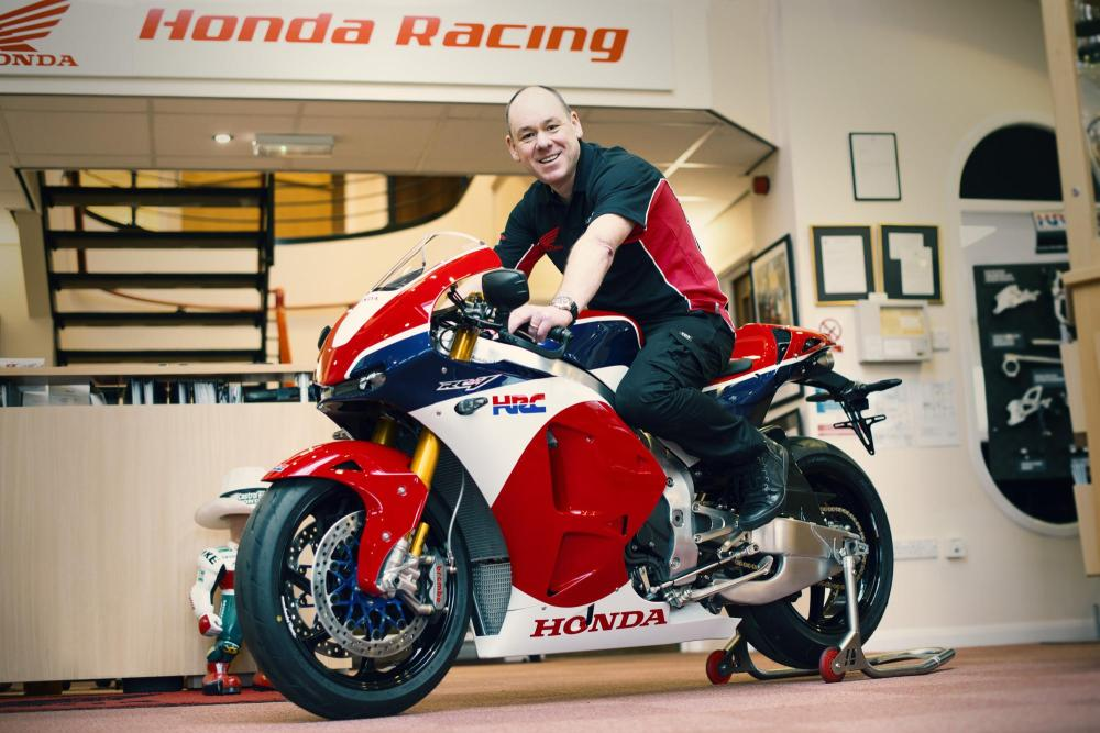 First customer delivery of the Honda RC213V-S (1)