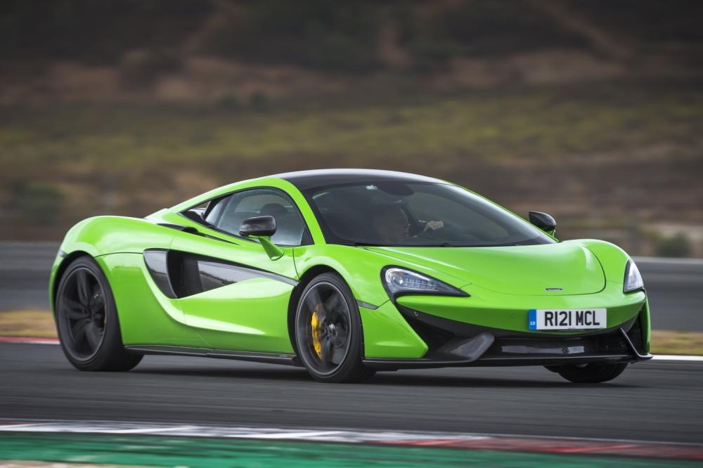McLaren 570S Coupe-Mantis Green 1