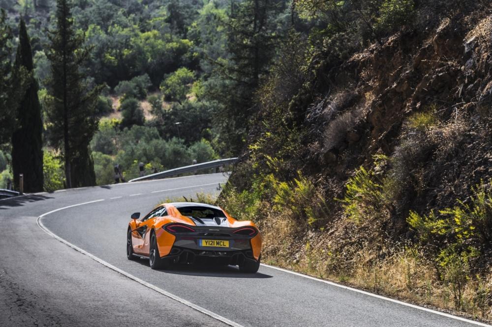McLaren 570S Coupe-Ventura Orange 2