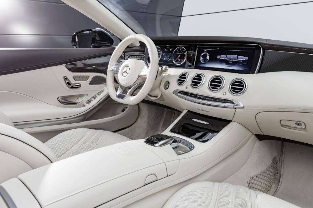 OPEN-TOP DRIVING WITH PRESTIGE AND PERFORMANCE - MERCEDES-AMG S 65 CABRIOLET