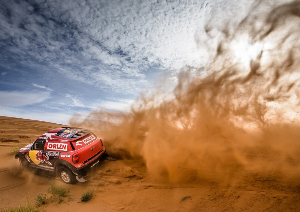12 MINI ALL4 Racing line up for the start of the 2016 Dakar Rally 01