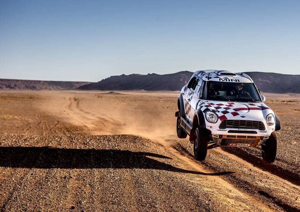 12 MINI ALL4 Racing line up for the start of the 2016 Dakar Rally 02