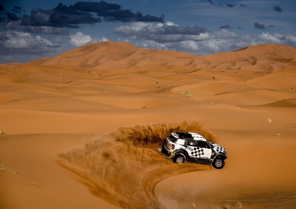 12 MINI ALL4 Racing line up for the start of the 2016 Dakar Rally 04