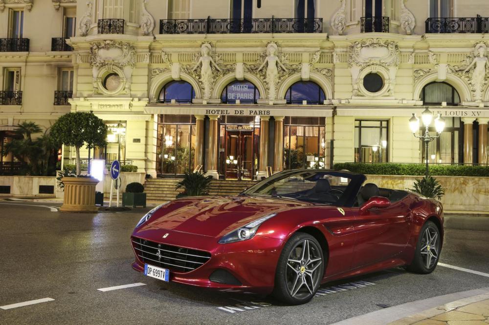 Ferrari California T - Hotel De Paris - Emerging Magazine