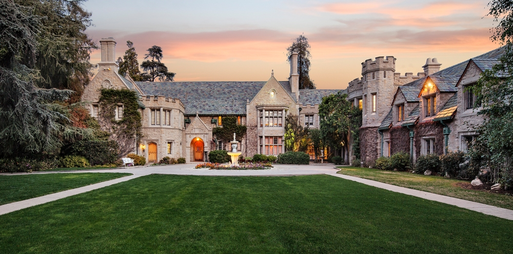 Hefner Puts Playboy Mansion Up for Sale - Emerging Magazine (Society)
