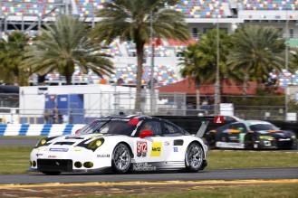 Porsche 911 RSR, Porsche North America Earl Bamber, Frederic Makowiecki, Michael Christensen (2)