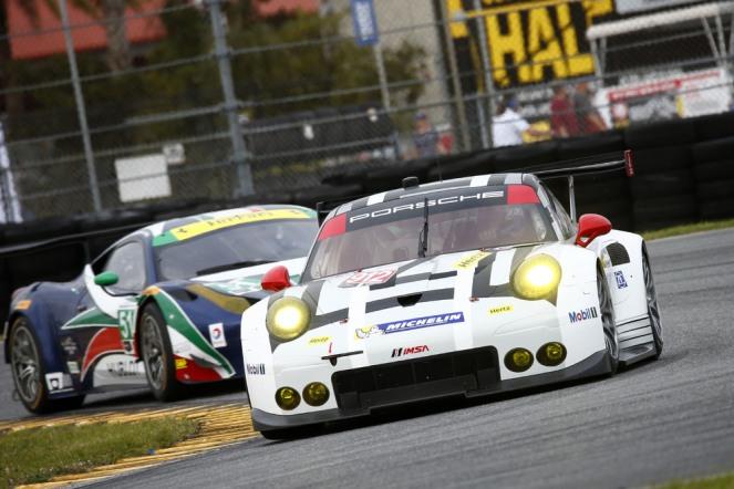 Porsche 911 RSR, Porsche North America Earl Bamber, Frederic Makowiecki, Michael Christensen (3)