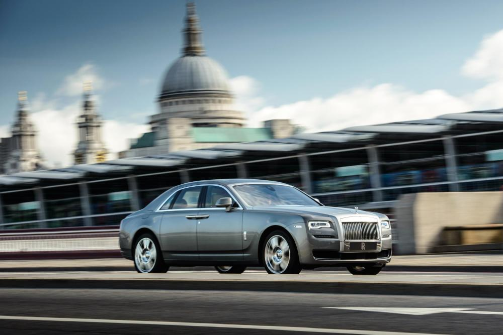 "Rolls-Royce and Designer Richard James Proffer The ""Art of Arrival"""