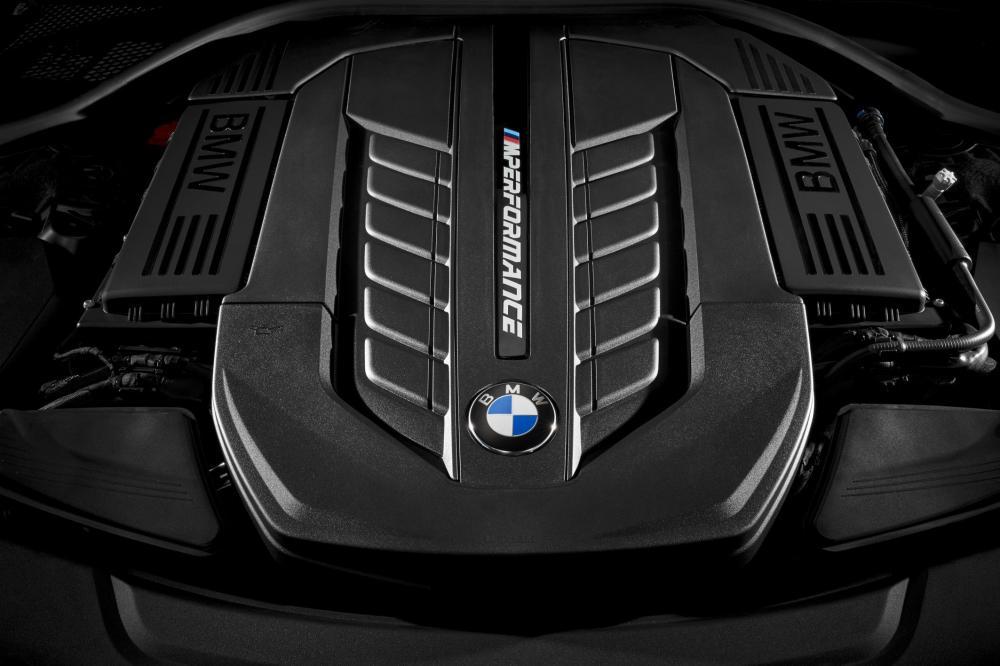 06 The new BMW M760Li xDrive - Emerging Magazine BMW News