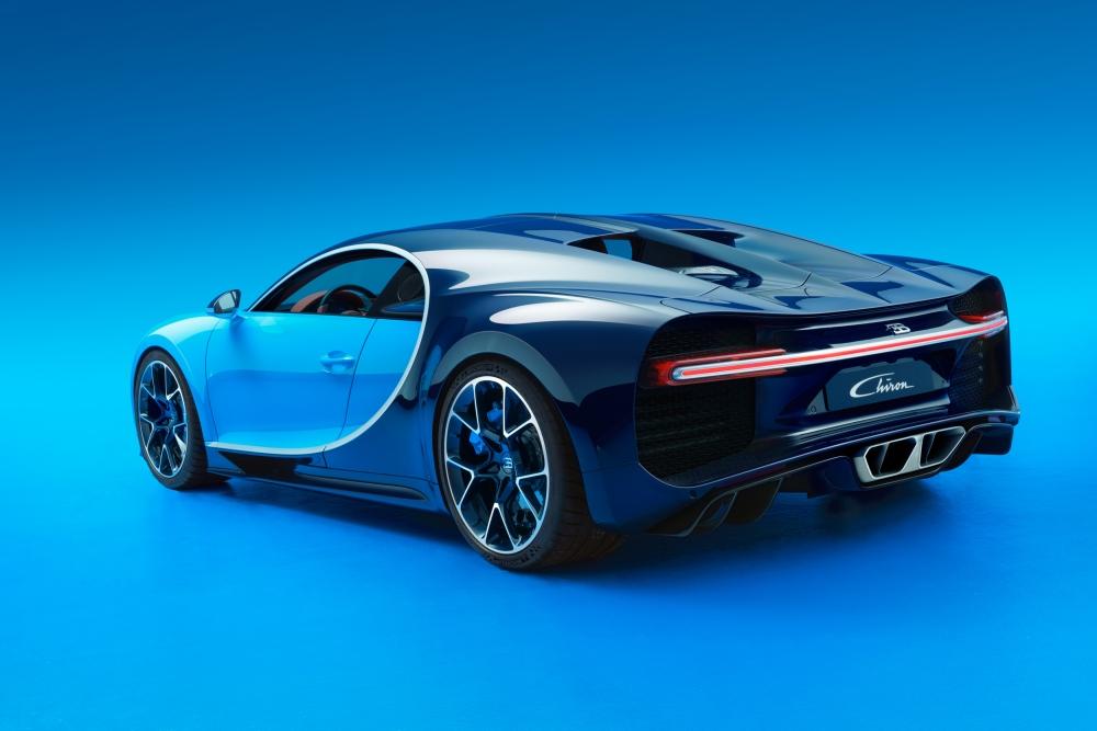 Bugatti Chiron Unveiled After Prolonged Secrecy - Emerging Magazine Bugatti (2)