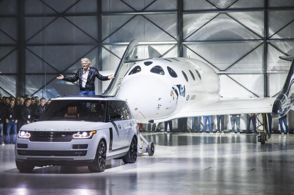 Range Rover Autobiography Tows Virgin Galactic's SpaceShipTwo In Global Unveiling - Emerging Magazine