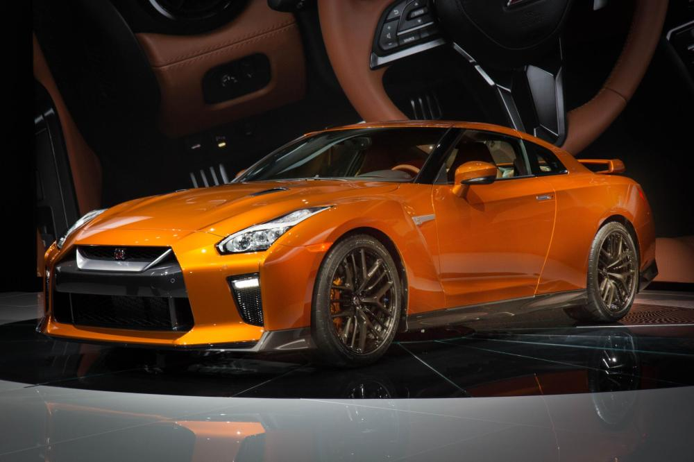 Emerging Magazine - 2017 Nissan GT-R makes world debut at NYIAS